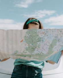 How does Travelling give us happiness?